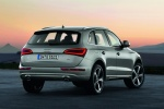 2014 Audi Q5 2.0 TFSI Quattro in Cuvee Silver Metallic - Static Rear Right View