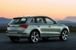 2016 Audi Q5 2.0 TFSI Quattro in Cuvee Silver Metallic - Static Rear Right Three-quarter View