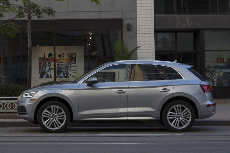 2019 Audi Q5 quattro in Florett Silver Metallic from a left side view