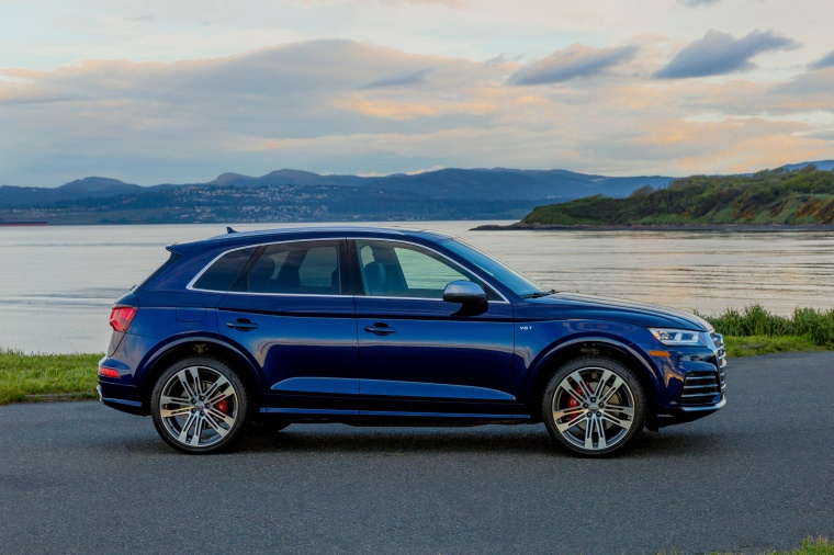 2019 Audi SQ5 quattro in Navarra Blue Metallic from a right side view