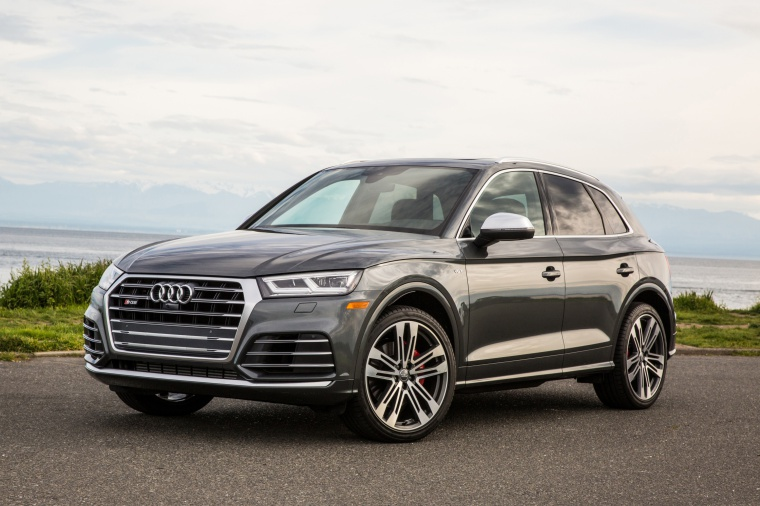 2019 Audi SQ5 quattro in Daytona Gray Pearl Effect from a front left view