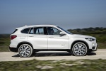 2019 BMW X1 xDrive28i in Alpine White - Driving Side View