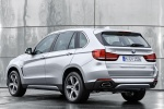2016 BMW X5 xDrive40e in Glacier Silver Metallic - Static Rear Left View