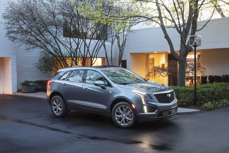 2020 Cadillac XT5 Sport AWD in Satin Steel Metallic from a front right three-quarter view