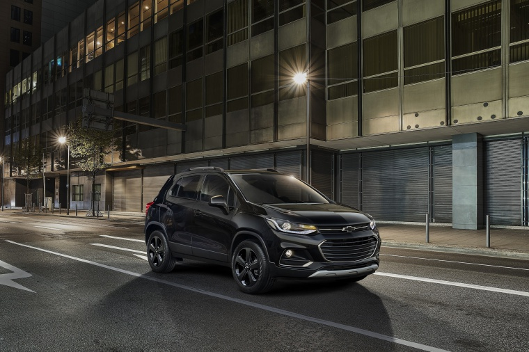2020 Chevrolet Trax in Mosaic Black Metallic from a front right three-quarter view