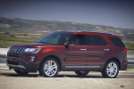 2019 Ford Explorer Limited 4WD - Driving Front Left Three-quarter View