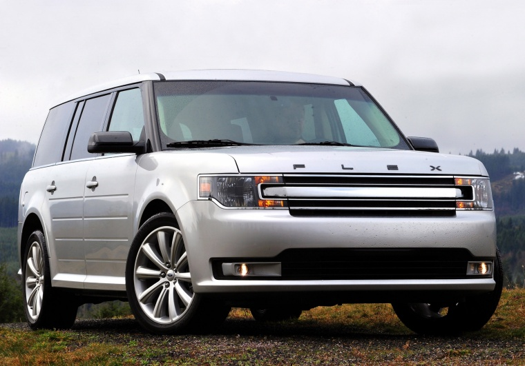 2016 Ford Flex SEL in Ingot Silver Metallic from a front right view