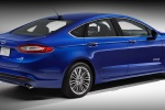 2014 Ford Fusion Hybrid SE in Deep Impact Blue - Static Rear Right Three-quarter View