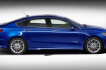 2015 Ford Fusion Hybrid SE in Deep Impact Blue - Static Side View