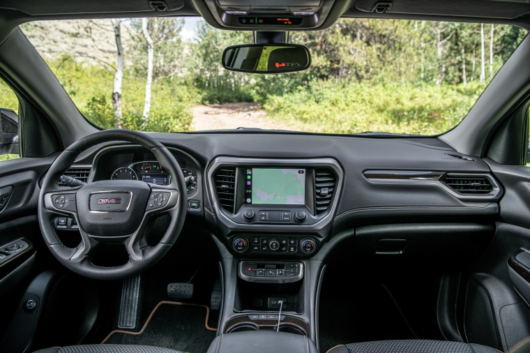 2020 GMC Acadia AT4 AWD Cockpit