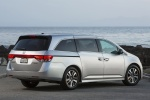 2016 Honda Odyssey Touring Elite in Alabaster Silver Metallic - Static Rear Right Three-quarter View