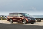 2018 Honda Odyssey Elite in Deep Scarlet Pearl - Static Front Right Three-quarter View