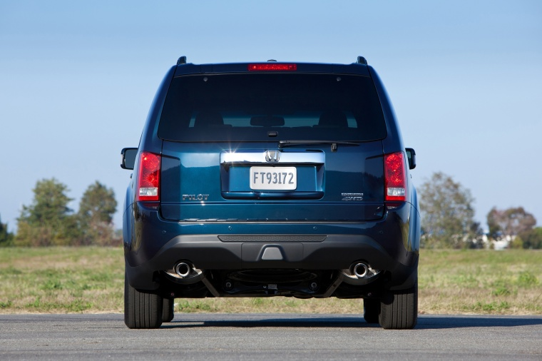 2013 Honda Pilot Touring in Obsidian Blue Pearl from a rear view
