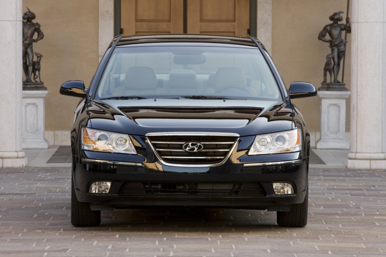 2010 Hyundai Sonata in Ebony Black from a frontal view
