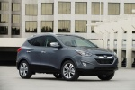 2015 Hyundai Tucson in Shadow Gray - Static Front Right Three-quarter View