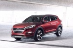 2016 Hyundai Tucson in Ruby Wine - Static Front Left View