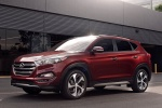 2017 Hyundai Tucson in Ruby Wine - Static Front Left Three-quarter View
