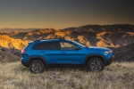 2019 Jeep Cherokee Trailhawk 4WD in Hydro Blue Pearlcoat - Static Right Side View