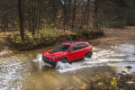 2019 Jeep Cherokee Trailhawk 4WD in Firecracker Red Clearcoat - Driving Front Left Three-quarter View