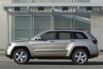 2013 Jeep Grand Cherokee Limited 4WD in White Gold Clearcoat - Static Side View