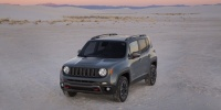 2016 Jeep Renegade Sport, Latitude, Limited, Trailhawk 4WD Pictures