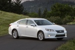 2015 Lexus ES 300h Hybrid Sedan in Starfire Pearl - Static Front Right View