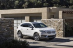 2019 Lincoln Nautilus 2.7T AWD in White Platinum Metallic Tri-Coat - Static Front Right Three-quarter View