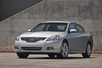 2010 Nissan Altima 3.5 SR in Radiant Silver Metallic - Static Front Left View