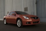 2012 Nissan Altima Coupe 3.5 SR in Red Alert - Static Front Right Three-quarter View