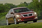 2013 Nissan Altima Sedan 3.5 SL in Cayenne Red Metallic - Driving Front Right View