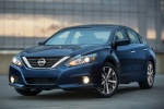 2016 Nissan Altima SR in Deep Blue Pearl - Static Front Left View