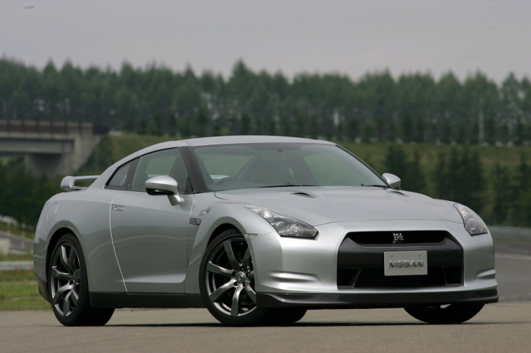2010 Nissan GT-R Coupe in Super Silver 3-Coat Metallic from a front right three-quarter view