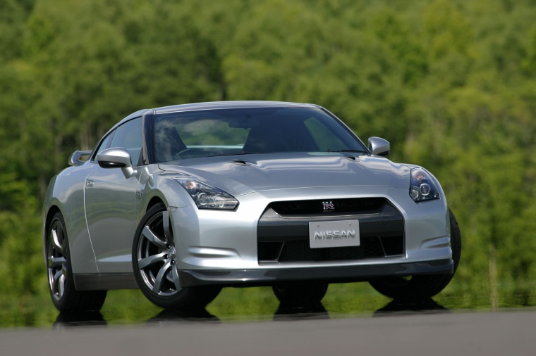 2010 Nissan GT-R Coupe in Super Silver 3-Coat Metallic from a front right view