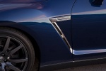 2014 Nissan GT-R Coupe Side Vent