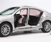 2011 Nissan Maxima IIHS Side Impact Crash Test Picture