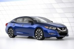 2016 Nissan Maxima SR Sedan in Deep Blue Pearl - Static Front Right View