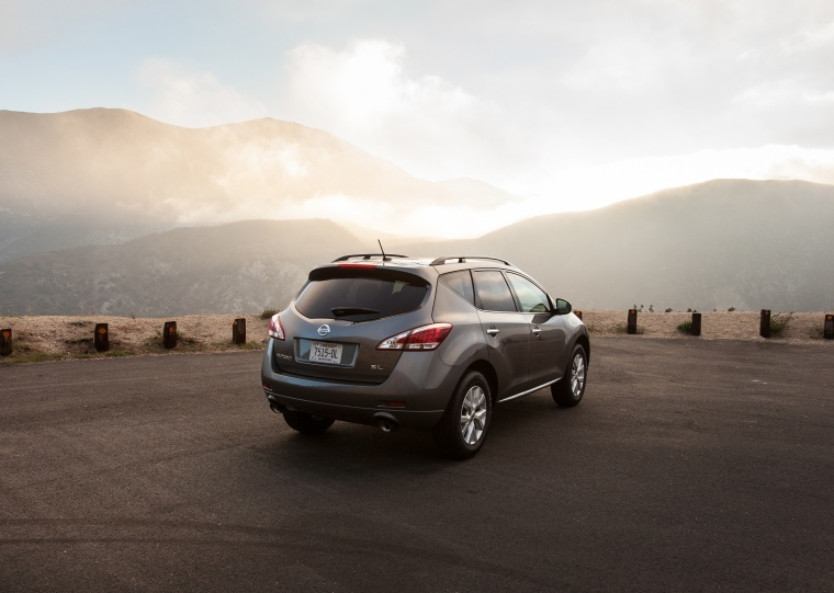 2013 Nissan Murano SL in Gun Metallic from a rear right three-quarter view