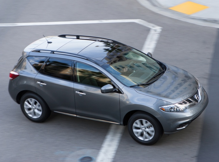 Driving 2013 Nissan Murano SL in Gun Metallic from a front right three-quarter top view