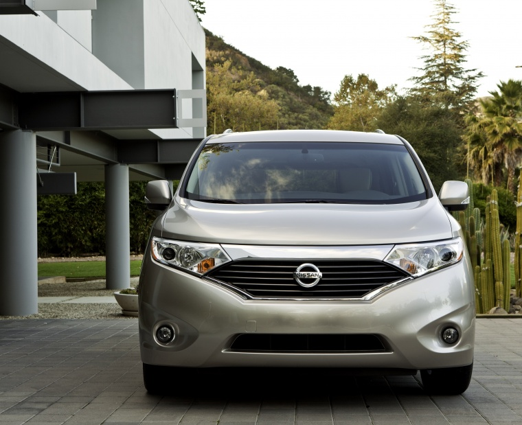 2011 Nissan Quest in Brilliant Silver from a frontal view