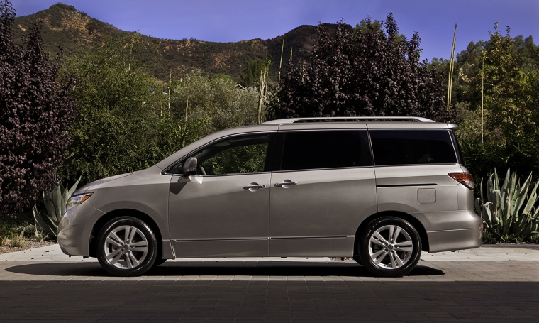 2011 Nissan Quest in Brilliant Silver from a side view