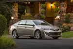 2015 Toyota Avalon Limited in Creme Brulee Mica - Static Front Right Three-quarter View