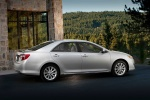 2013 Toyota Camry XLE in Classic Silver Metallic - Static Side View