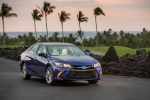 2016 Toyota Camry Hybrid SE in Blue Crush Metallic - Status Front Right View
