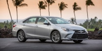 2017 Toyota Camry LE, SE, XSE, XLE, V6, Hybrid Pictures