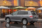 2013 Toyota Highlander Hybrid in Magnetic Gray Metallic - Static Rear Left Three-quarter View
