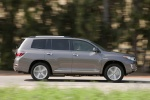 2013 Toyota Highlander Hybrid in Magnetic Gray Metallic - Driving Right Side View
