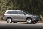 2013 Toyota Highlander Hybrid in Magnetic Gray Metallic - Driving Side View