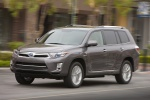 2013 Toyota Highlander Hybrid in Magnetic Gray Metallic - Driving Front Left Three-quarter View