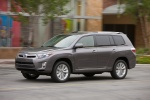 2013 Toyota Highlander Hybrid in Magnetic Gray Metallic - Driving Left Side View