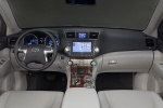 2013 Toyota Highlander Hybrid Cockpit in Ash